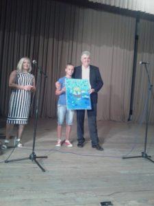 poklon mališana sa Kosova za Načelnika opštine