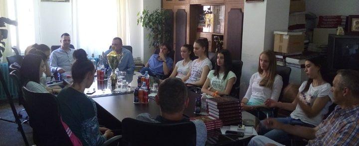 """Prijem za """"zlatne"""" odbojkašice u kabinetu načelnika opštine Gacko"""