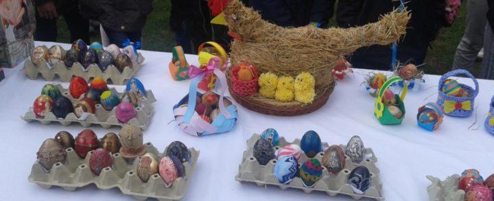 U susret Vaskrsu-izložba ručno slikanih i obojenih jaja