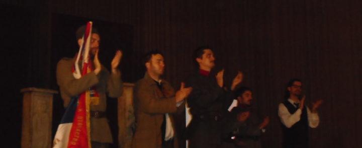 "Burni aplauzi za predstavu ""Solunci govore"""