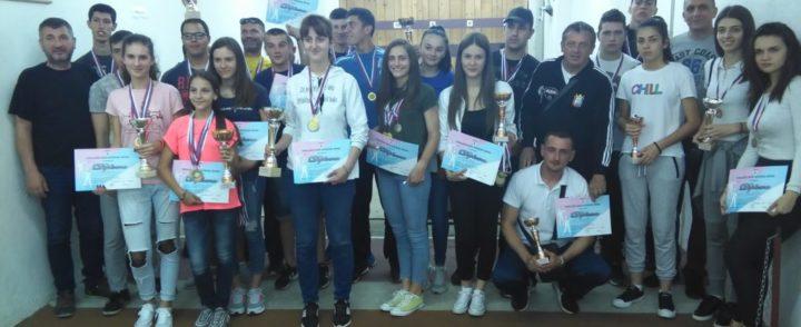 """Сениорке и јуниори СК""""Младост"""" прваци РС"""
